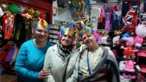 Веселый шопинг с друзьями